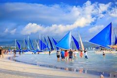 Fullsatt strand av den Boracay stranden Royaltyfria Foton