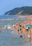 Fullsatt strand-Polen-baltiskt hav för sommar Royaltyfri Bild