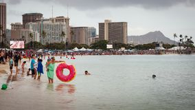 Fullsatt strandCityscape Honolulu Hawaii 2018 Fotografering för Bildbyråer