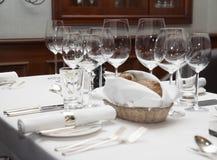 Fully arranged restaurant table Royalty Free Stock Photos