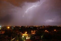 Fulmine nel cielo notturno Fotografia Stock