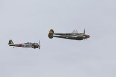 Fulmine P-38 e KI-43 Oscar Fotografie Stock Libere da Diritti