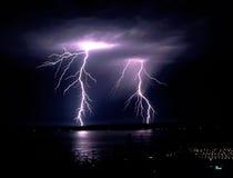 Fulmine a tarda notte Puget Sound Elliot di temporale di caduta Fotografia Stock Libera da Diritti