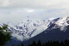 Fulminez le titre dans les montagnes Images libres de droits