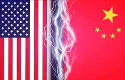 Fulmini verticali fra le bandiere di U.S.A. e la Cina Concetto della crisi fra Washington e Pechino royalty illustrazione gratis