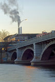 Fulton Street Bridge i Grand Rapids Arkivbild
