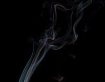 Fumée abstraite sur le fond noir photo libre de droits