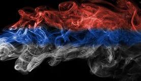 Fumée de drapeau de la Serbie photo libre de droits