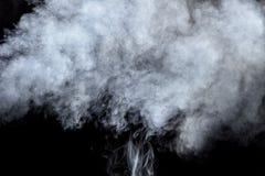 Fumée sur le fond noir Image libre de droits