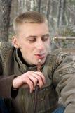 Fumador do cachimbo de água Fotografia de Stock