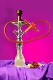 fumage arabe de sheesha de pipe de narguilé photographie stock
