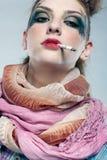 Fumage punk de fille de Glam Photographie stock