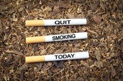 Fumage quitté aujourd'hui Photographie stock libre de droits