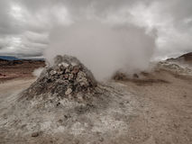 Fumarola em Namaskard Myvatn Islândia fotografia de stock
