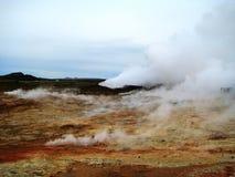 Fumarolas em Gunnuhver (península de Reykjanes, Islândia) Fotografia de Stock