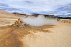 Fumarole в поле Hverarönd геотермическом, Исландии Стоковое Фото