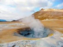 fumarole geotermiska iceland arkivbilder