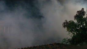 Fume no fundo do ar e na prevenção do conceito da febre de dengue filme