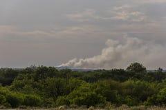 Fume a poluição em México na beira de Texas Fotografia de Stock Royalty Free