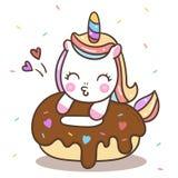 Fumetto sveglio del cavallino di Kawaii di buon compleanno del dolce della ciambella di vettore dell'unicorno illustrazione vettoriale