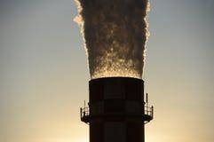 Fumo bianco dal fumaiolo industriale Fotografia Stock Libera da Diritti