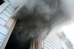 Fumo che billowing Fotografie Stock Libere da Diritti