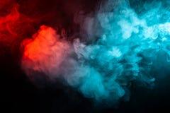 Fumo colorato isolato di turbine: blu, rosso, arancia, rosa; Rotolo fotografia stock