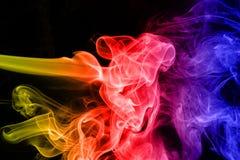Fumo colorido do sumário isolado em um preto imagens de stock royalty free
