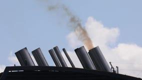 Fumo da exaustão do navio video estoque