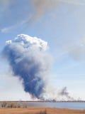 Fumo dal grande fuoco Fotografia Stock