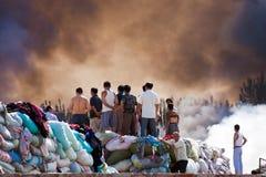 Fumo del fuoco del magazzino dei vestiti Immagini Stock Libere da Diritti