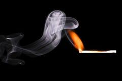 Fumo del fuoco della corrispondenza fotografia stock
