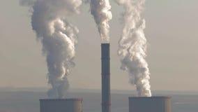 Fumo della centrale elettrica stock footage