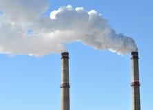Fumo industriale dal camino Fotografia Stock Libera da Diritti