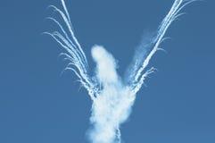 Fumo nel cielo dopo fuochi d'artificio Fotografia Stock Libera da Diritti