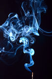 Fumo no fundo preto Imagens de Stock Royalty Free