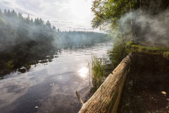 Fumo no lago Foto de Stock Royalty Free