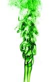 Fumo verde abstrato no fundo branco, fundo do fumo, verde Fotografia de Stock