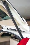 Função eletrônica do suporte do tronco da bagageira do carro fotografia de stock royalty free