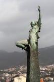 FUNCHAL, MADEIRA/PORTUGAL - 9 DE ABRIL: Estatua del brazo desnudo de la mujer imágenes de archivo libres de regalías