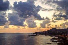Funchal-Stadt, Vogelperspektive während des Sonnenuntergangs, Madeira-Insel lizenzfreie stockbilder