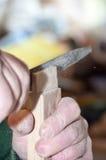 Funcionamento idoso do carpinteiro Foto de Stock Royalty Free