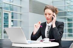 Funcionamento novo da mulher de negócio Fotos de Stock Royalty Free