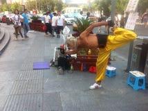 Funcionamiento chino del kongfu de la calle Foto de archivo
