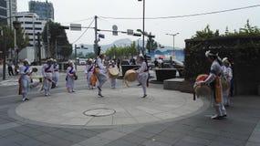 Funcionamiento coreano de la danza tradicional Imagen de archivo