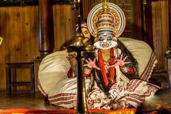 Funcionamiento de Kathakali del indio fotos de archivo