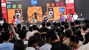 Funcionamiento de la banda de rock en el arte el 2010 más fest del ghoda del kala Fotos de archivo libres de regalías