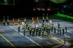 """Funcionamiento de la banda de las fuerzas armadas de arma de Uzbekistán en """"Spasskaya militar internacional del festival de mús Fotos de archivo libres de regalías"""