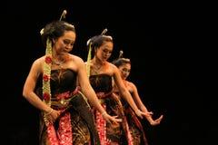 Funcionamiento de la danza de Gambyong Fotografía de archivo libre de regalías