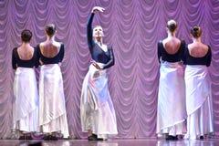 Funcionamiento de la danza moderna Fotografía de archivo libre de regalías